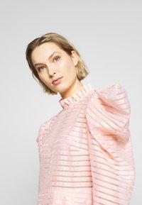 Hofmann Copenhagen - CARLI - Koktejlové šaty/ šaty na párty - pink paradise - 4