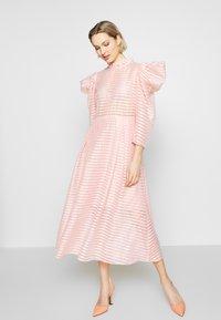 Hofmann Copenhagen - CARLI - Koktejlové šaty/ šaty na párty - pink paradise - 1