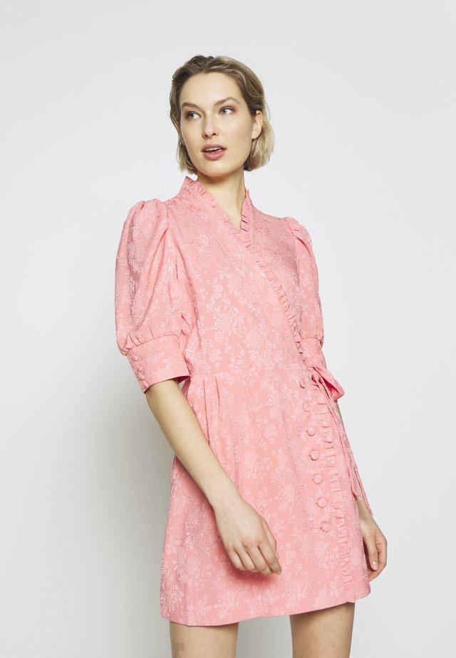 CAMILLE - Cocktailklänning - vivid pink