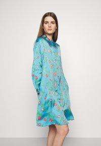 Hofmann Copenhagen - VIOLA - Košilové šaty - pacific blue - 4
