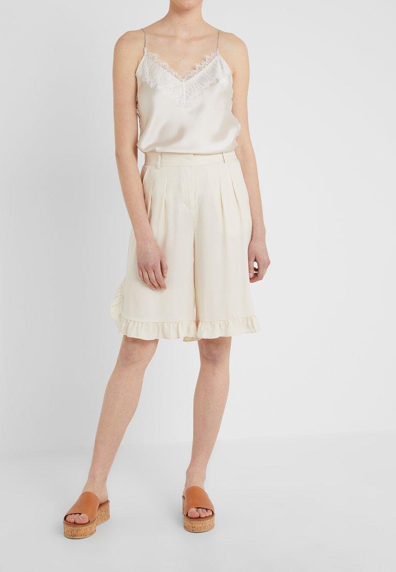 Hofmann Copenhagen - MARISA - Shorts - creme