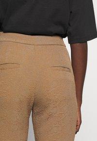Hofmann Copenhagen - RIANNE - Shorts - desert - 4