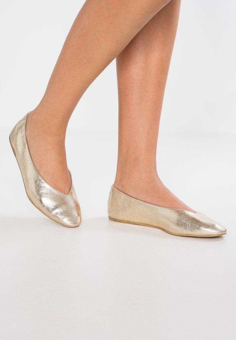 L37 - Ballerinasko - gold