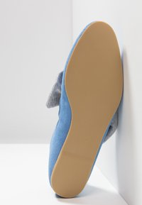 L37 - PRINCESSES RULE - Ballerinat nilkkaremmillä - blue - 6