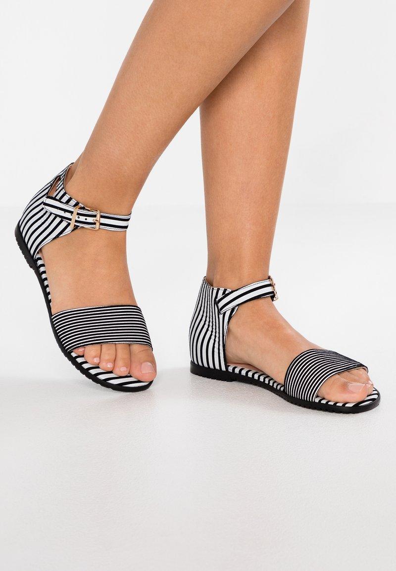 L37 - LOVE SANDALS - Sandaler - black/white