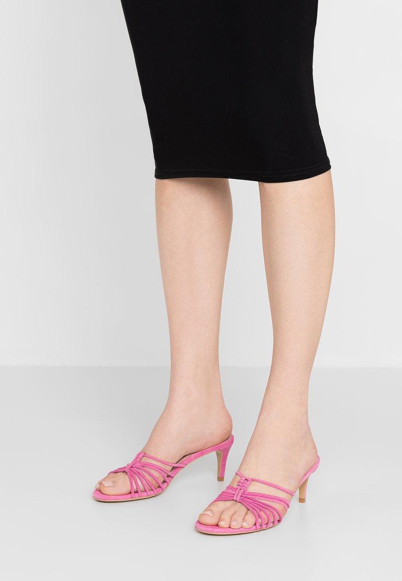 L37 - VERVE - Pantofle na podpatku - rose