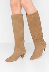 L37 - OPEN MIND HIGH - Boots - beige - 0