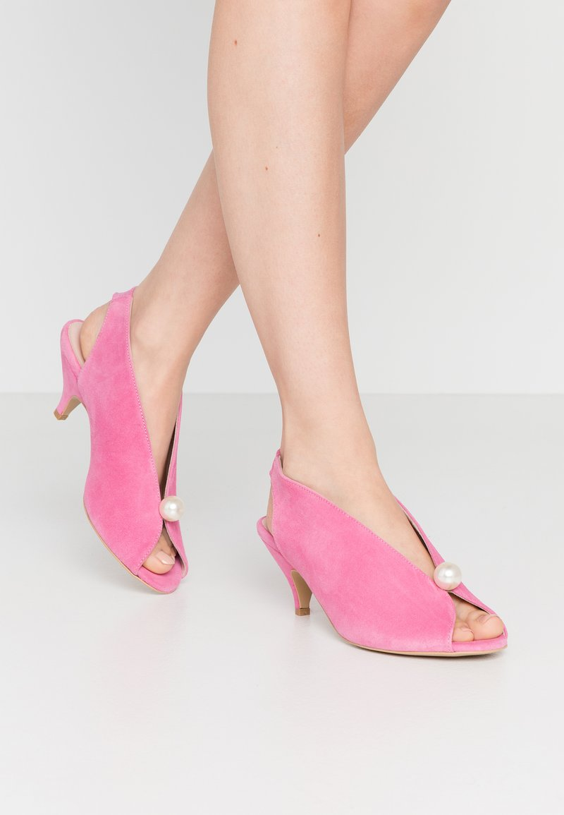 L37 - DANCE TO THIS - Sandals - rose