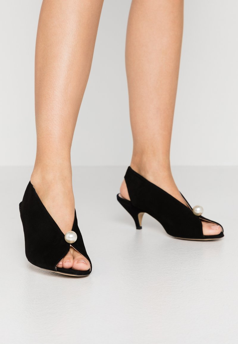 L37 - DANCE TO THIS - Sandals - black