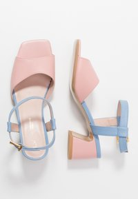 L37 - OLD TOWN ROAD - Sandals - blue/pink - 3