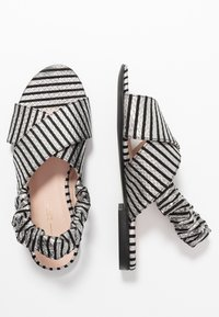 L37 - NIGHT IN MOTION - Sandals - black/white - 3