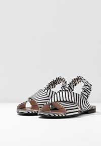 L37 - NIGHT IN MOTION - Sandals - black/white - 4