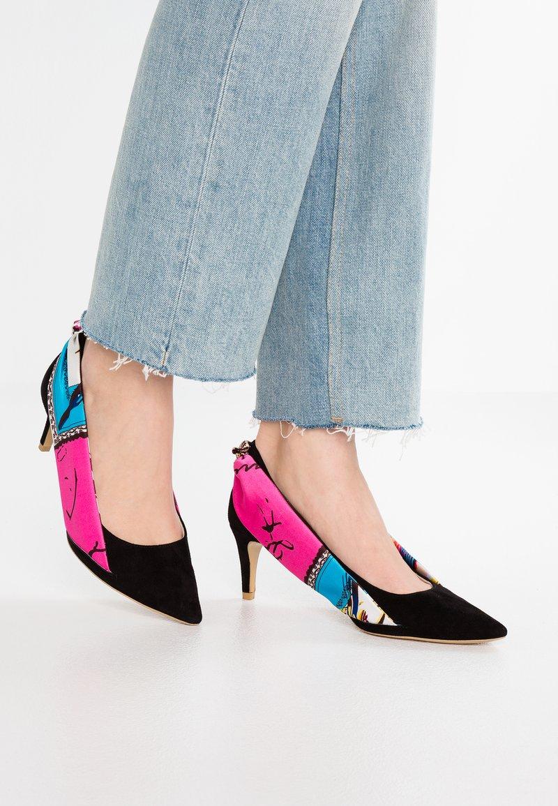 L37 - ON MY MIND - Classic heels - black