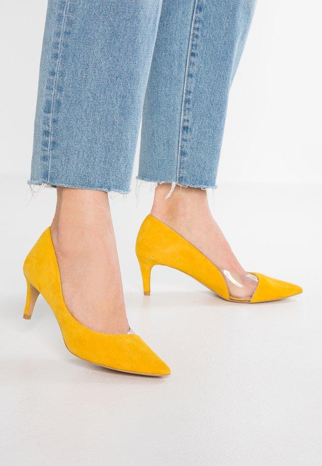 NY STYLE - Classic heels - yellow