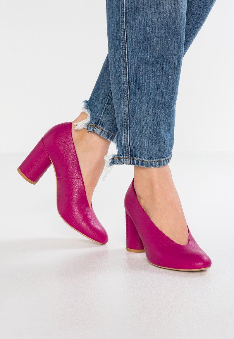 L37 - LUNA - Classic heels - pink