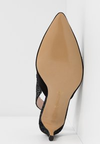 L37 - HOT IN THE CITY - Classic heels - black - 6