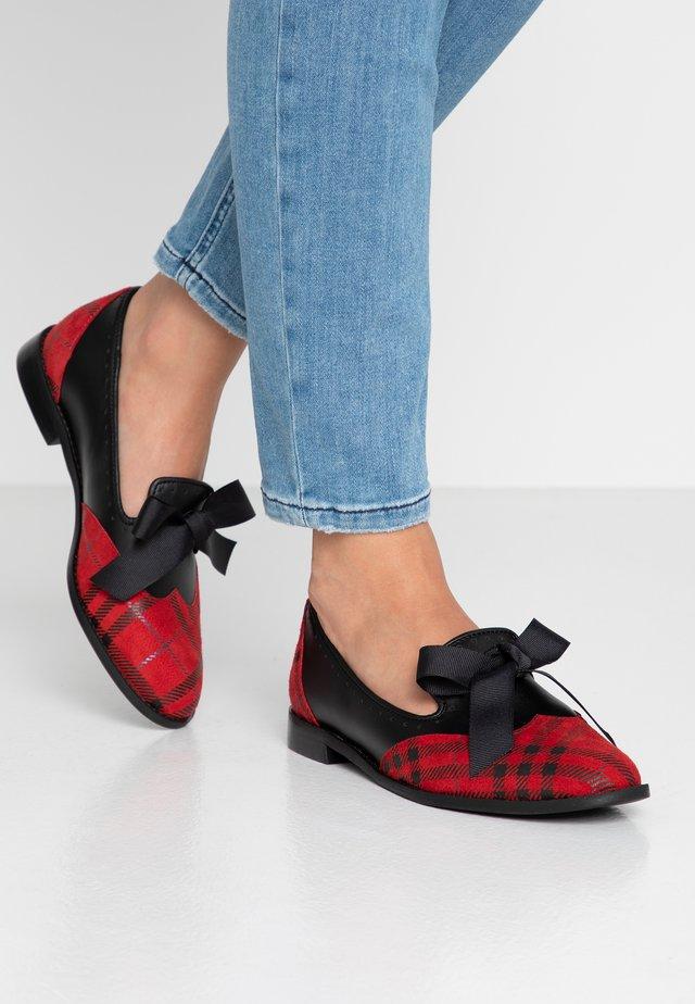MOUSE WORLD - Slip-ins - red/black