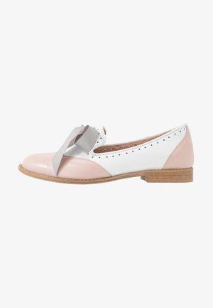 MOUSE WORLD - Scarpe senza lacci - pink/white