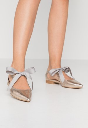 SUMMER BREAK - Ankle strap ballet pumps - gold