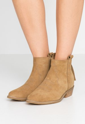FLASHBACK - Ankle boots - beige