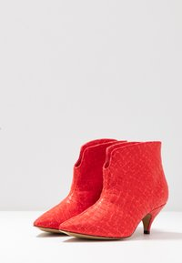 L37 - MAKE YOUR MOVE - Ankle boots - red - 4