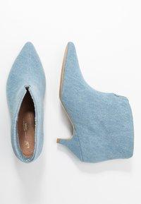 L37 - MAKE YOUR MOVE - Ankle boots - blue denim - 3