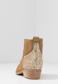 L37 - ANYWHERE WE GO - Ankle boots - beige - 5