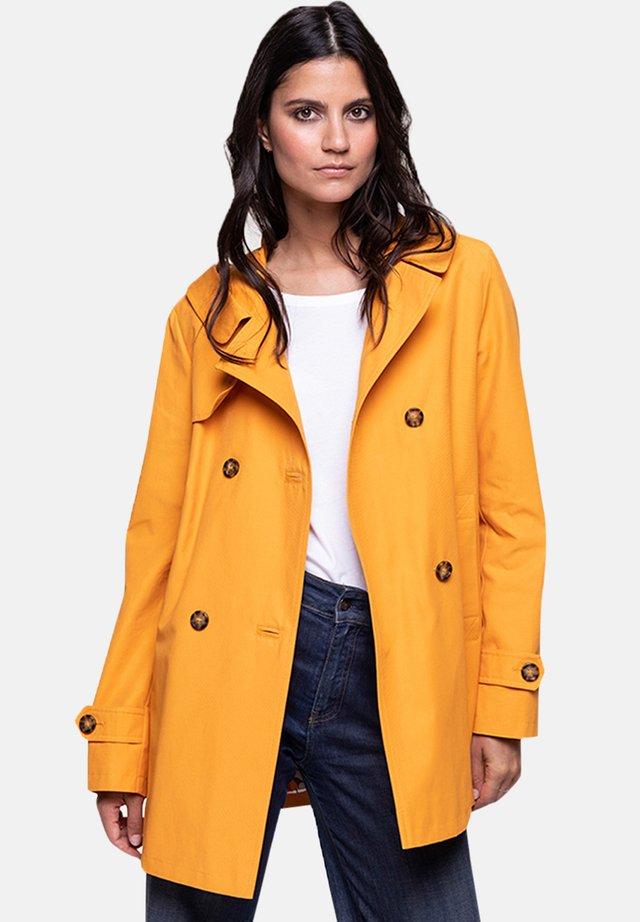 VACAJOU - Trenchcoat - orange