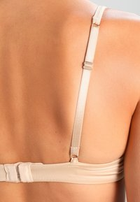 Ultimo - THE ONE PLUNGE  - Sujetador push-up - nude - 4