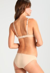 Ultimo - THE ONE PLUNGE  - Sujetador push-up - nude - 2