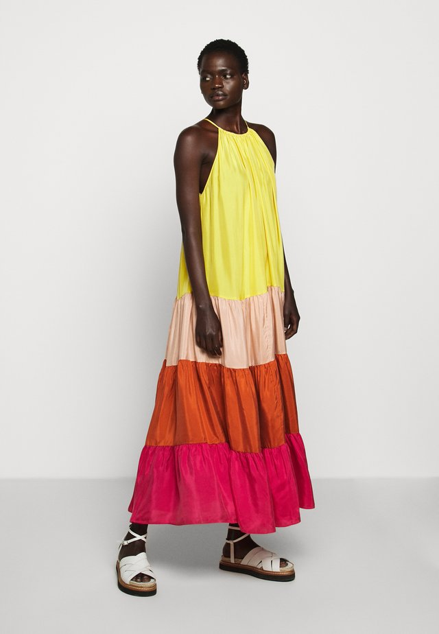 NUCCIA - Korte jurk - citrus