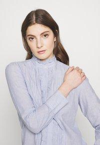 Vanessa Bruno - NICOLAS - Skjortebluser - blanc/bleu - 3