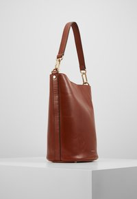 Vanessa Bruno - HOLLY SAC SEAU - Torebka - cognac - 3