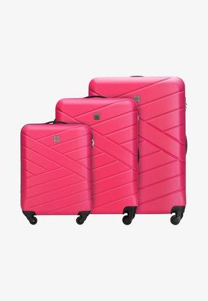 3 SET - Luggage set - pink