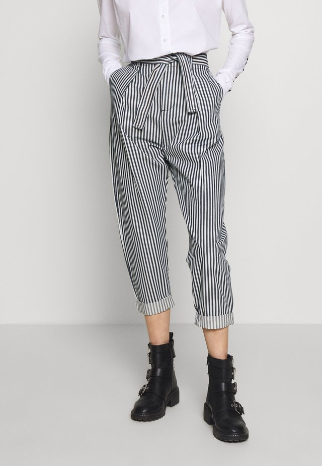 HIGH WAIST PANTS STRIPE - Tygbyxor - kit