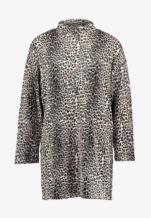 TURTLE NECK DRESS LEOPARD - Jersey dress - winter white