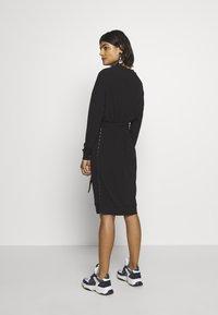 10DAYS - BELTED DRESS - Jerseykleid - black - 2