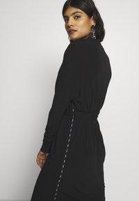 10DAYS - BELTED DRESS - Jerseykleid - black - 3