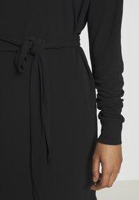 10DAYS - BELTED DRESS - Jerseykleid - black - 5
