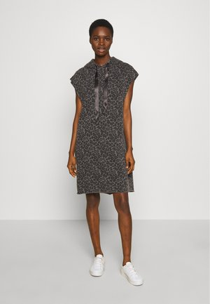 HOODIE DRESS FADE OUT LEOPARD - Day dress - pavement