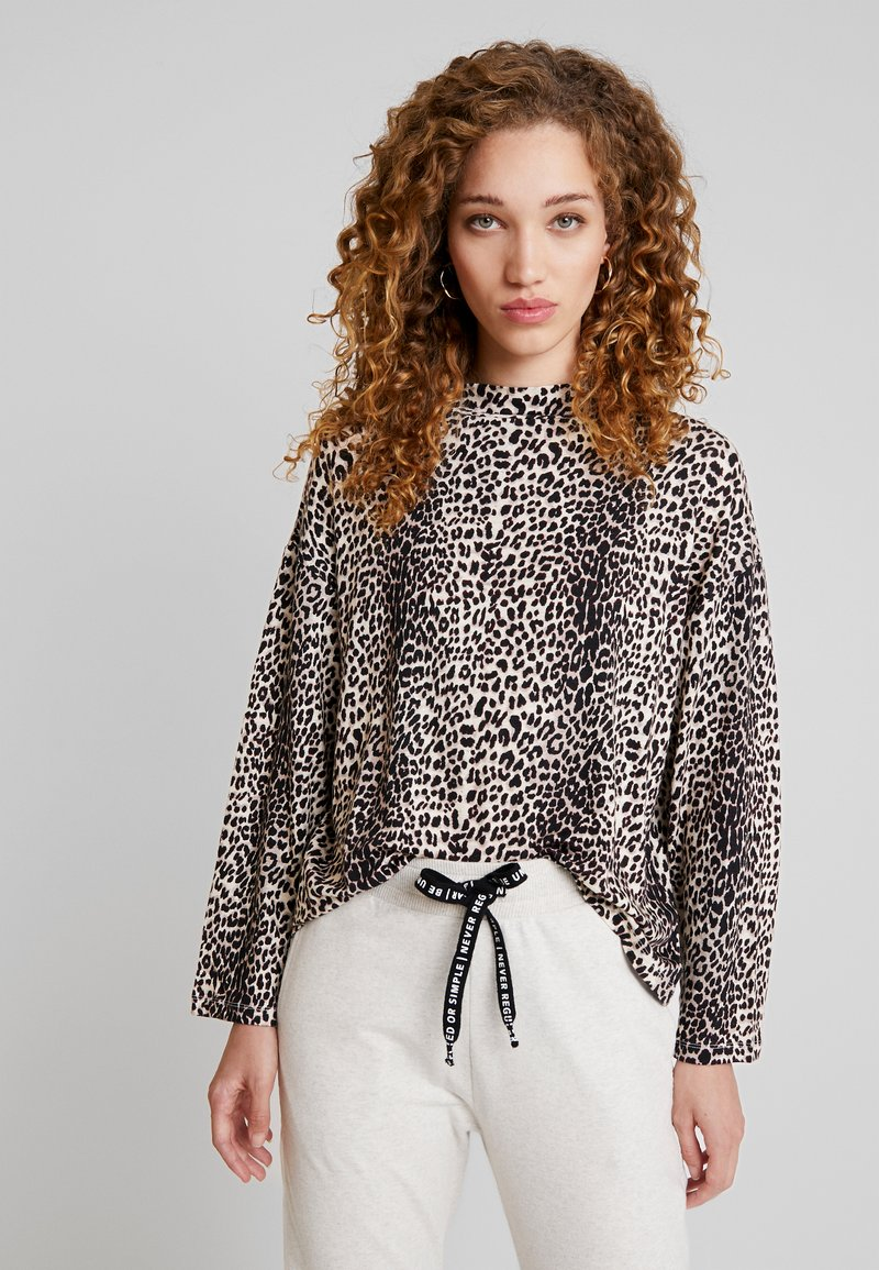 10DAYS - TURTLE NECK LONGSLEEVE TEE LEOPARD - Long sleeved top - winter white