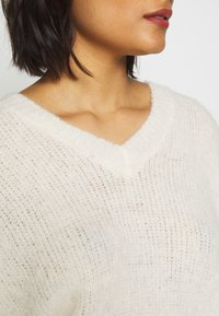 10DAYS - V-NECK SWEATER - Svetr - ecru - 6