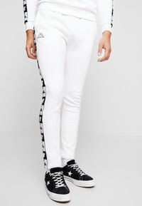 Kappa - KAPPA X DISNEY AUTHENTIC ALPHONSO PANT - Tracksuit bottoms - white - 0