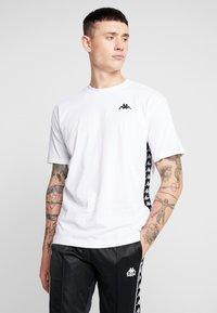 Kappa - VAMPIR - T-shirt med print - white - 0