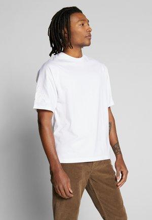 GERO - Print T-shirt - bright white