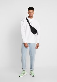 Kappa - AUTHENTIC BARIN - Sweatshirt - white - 1