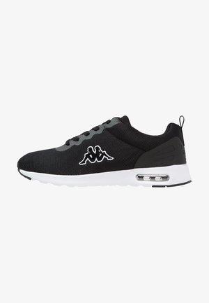 CLASSY  - Chaussures d'entraînement et de fitness - black/white