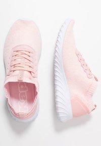 Kappa - MEMNI - Gym- & träningskor - rosé/white - 1
