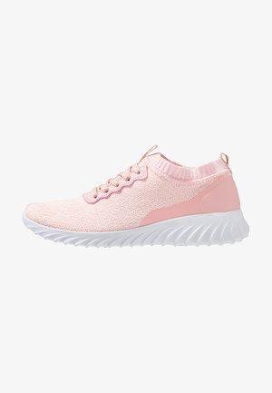 MEMNI - Gym- & träningskor - rosé/white