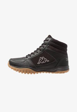 BRASKER MID - Zapatillas de senderismo - black